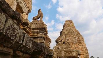 boeddhistische khmer-tempelruïne van pre rup, siem reap cambodja. foto