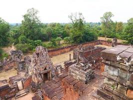 oude boeddhistische khmer-ruïne van pre rup, siem reap cambodja. foto