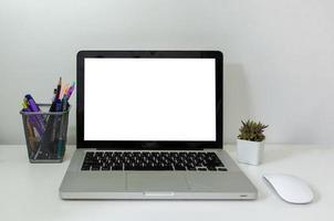 computer laptop mock-up en muiscactus foto