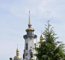christelijke kerk op het platteland foto