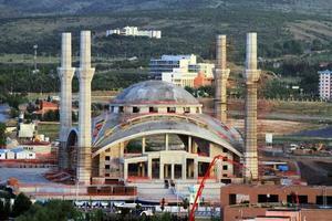 een moskeeproject ontworpen in een moderne stijl foto