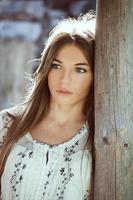 jonge mooie vrouw foto