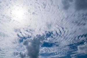 kopieer ruimte minimaal concept van zomer blauwe hemel. foto