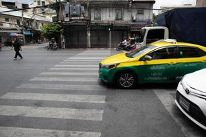 bangkok, thailand, 08 aug. 2020 - verkeer in bangkok foto