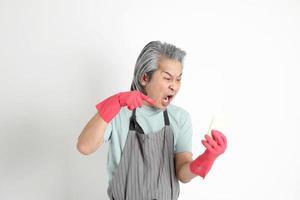 senior Aziatische huishoudster foto