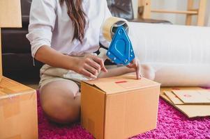 close-up van Aziatische zakenvrouw hand opstarten bedrijf foto