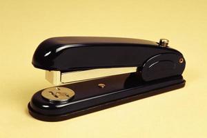 naainietmachine van briefpapier en kantoorbenodigdheden foto