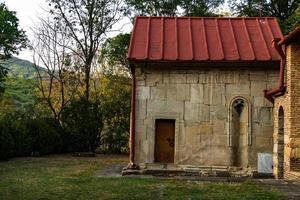 kloostercomplex van betania in de Kaukasus foto