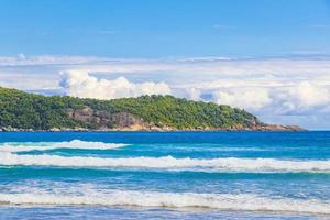 praia lopes mendes strand op het tropische eiland ilha grande brazilië. foto
