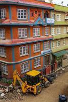 kleurrijk straatbouwgebied in sinamangal, kathmandu, nepal, 2018 foto