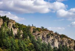 landelijk berglandschap van de Kaukasus foto