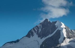 piek bernina piek in de zwitserse alpen foto