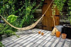 touwwieg in huis foto