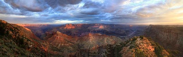 de grand canyon panorama zonsopgang vanaf de zuidrand foto