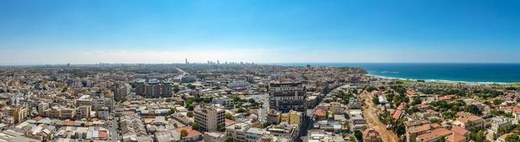 panorama luchtfoto van de wijken van Zuid-Tel Aviv en het oude Jaffa foto