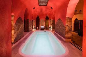 arabische baden hamam in granada, andalusië, spanje. foto
