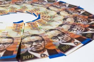 stapel Israëlische geldbiljetten van 100 shekel foto