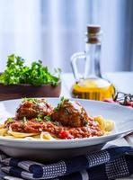 gehaktballen. Italiaanse en mediterrane keuken. gehaktballetjes met s foto