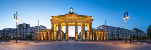 Brandenburger Tor, Berlijn, Duitsland in de avond foto