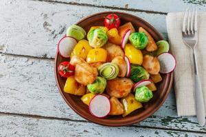 kipfilet gebakken met groenten foto