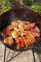 vlees op de barbecue foto