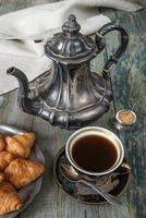 koffie en croissants foto