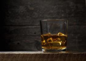 whisky bourbon in een glas