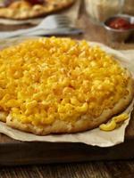 macaroni en kaaspizza foto