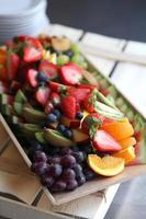 selectie van gemengde plakjes fruit foto