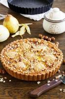 perentaart met noten en mascarpone. foto
