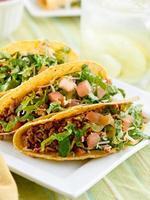 plaat van rundvlees taco's foto