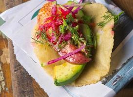 kreeft taco op zelfgemaakte tortilla foto