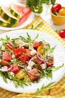 salade van tomaat en watermeloen