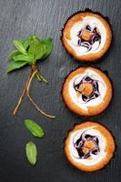 cakejes met bosbessenmuffins foto
