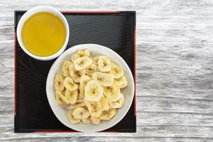 knapperige bananenchips foto