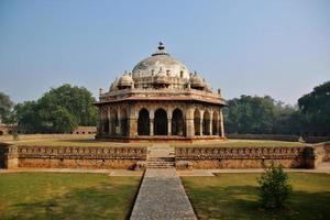 het graf van isa khan niyazi in delhi foto