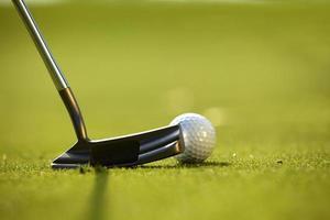 golfclub op een golfbaan foto
