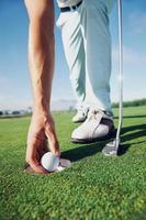 golf man zetten foto