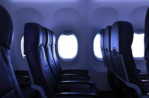 lege vliegtuigstoelen foto