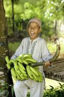 gelukkig moslim kind foto