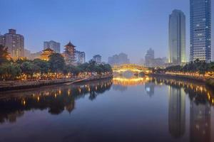 Chengdu, China op de Jin rivier