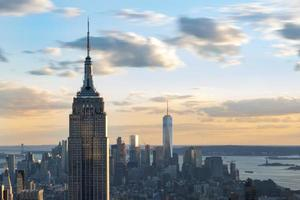skyline van New York details in de schemering foto