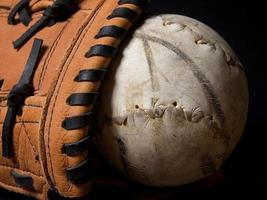 softbal en handschoen foto