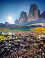 uitzicht op de zonnige lago rienza foto