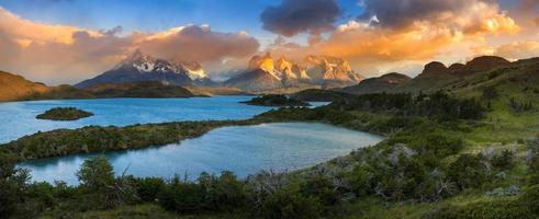 Lago Pehoe, nationaal park Torres del Paine in Zuid-Chili foto
