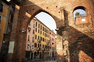 colonne milan, italië. foto