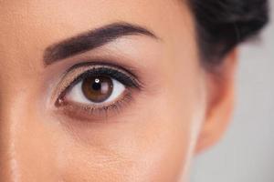 vrouwelijk oog foto