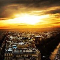 zonsondergang in Parijs foto