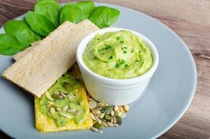 avocado-karnemelk groene godin dip foto