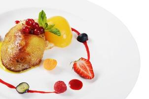ganzenlever met toast en abrikoos foto